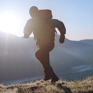 Kraft und Gesundheit durch Bergwandern.