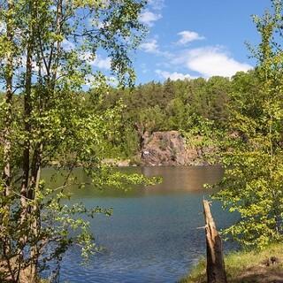 Steinbrüche mit ihren Seen sind beliebte Wanderziele im Leipziger Umland. Foto: DAV/Ingo Röger