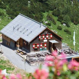 Ausflugsziel überm Brandnertal: Oberzalimhütte, Foto: Archiv DAV