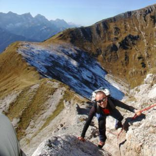Kurze versicherte Passage am Grasleitenjoch, Karwendel, Österreich