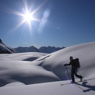 Ganz so viel Sonne wie letztes Wochenende (hier bei der Urner Haute Route) werden die kommenen Tage nicht bringen. Foto: M. Pröttel