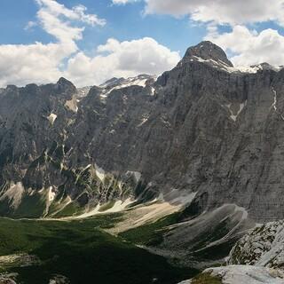 Auch der Triglav, der höchste Gipfel Sloweniens, hat sagenhafte Geschichten zu bieten. Foto: Javier Sanchez Portero from Santa Cruz de Tenerife, CC BY-SA 2.0, via Wikimedia Commons