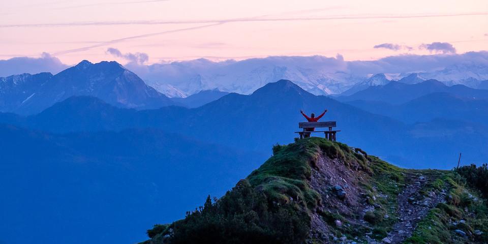 Tagwerk vollbracht: Abendstimmung bei der Dachstein-Südwandhütte; Foto: Iris Kürschner