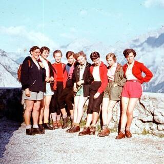 Mädelgruppe aus den 60er Jahren. Foto: Alpines Museum