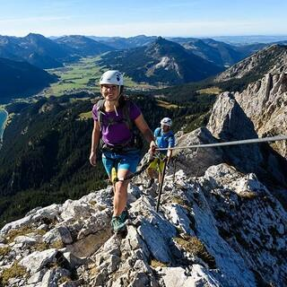 Climbing on fixed rope routes, Copyright: Wolfgang Ehn