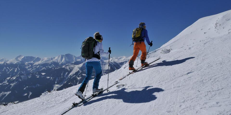 Atemberaubende Ausblicke gibt es beim Gipfelanstieg auf den Leobner. Foto: Stefan Herbke