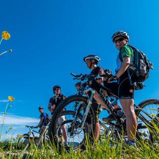 Kurze Pause beim Mountainbiken, Foto: Robert Lassahn