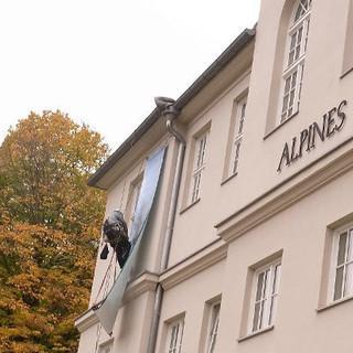 Alpines-Museum-mit-Fassadenkletterer