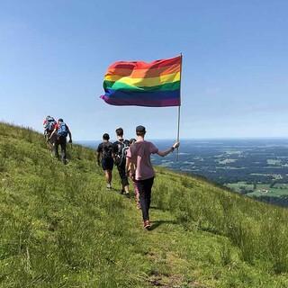 Regenbogenflagge-auf-Tour-LukasReussner