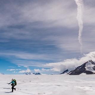 Trekking mit Spalten hüpfen. Foto: Ralf Gantzhorn