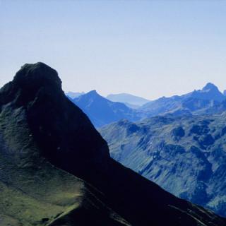 Abstieg zur Rappenseehütte mit Widderstein im Hintergrund, Allgäuer Alpen, Bayern, Deutschland