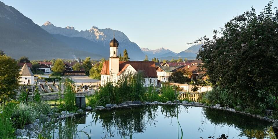 Das idyllische Wallgau empfängt uns mit Ruhe, bevor es weiter zum Walchensee geht. Foto: Thorsten Brönner