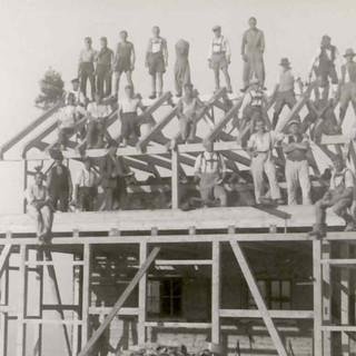 Richtfest beim Umbau der Hochrieshütte, 1933. Archiv des DAV, München
