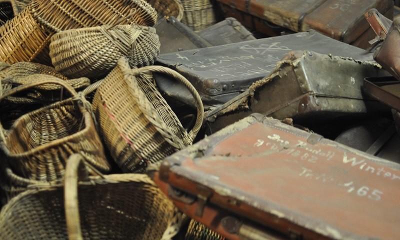 Museum Auschwitz: gesammltes Gepäck der Opfer; (c) Jonas Freihart