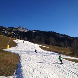 Die Realität für viele Skigebiete: Die Skipiste ist nur noch ein weißer Streifen. Foto: DAV/Archiv