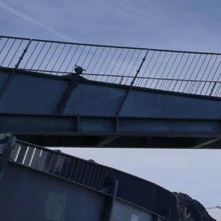Umstrittener Tiefblick für Seilbahnfahrer: Die Alpspix-Plattform über dem Nebelmeer