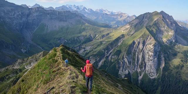 Auch die westlichen Berner Alpen (Blick auf Gspaltenhorn, Blümlisalpgruppe, Doldenhorn) haben ihre Reize. Foto: Bernd Jung