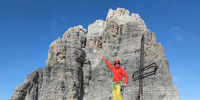 Flo Storkenmaier auf dem Gipfel der Cima Piccola. Foto: Hermann Böttcher