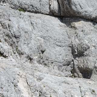 Sentiero Leva - Wie bestellt: Der Sentiero Leva am Montasch folgt meist natürlichen Bändern, Foto: Andi Dick