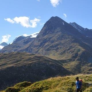 Abstieg ins Gurgler Tal - Wanderlust. Zurück in Wiesen und Wasser, schafft man auch die letzten Meter ins Tal.