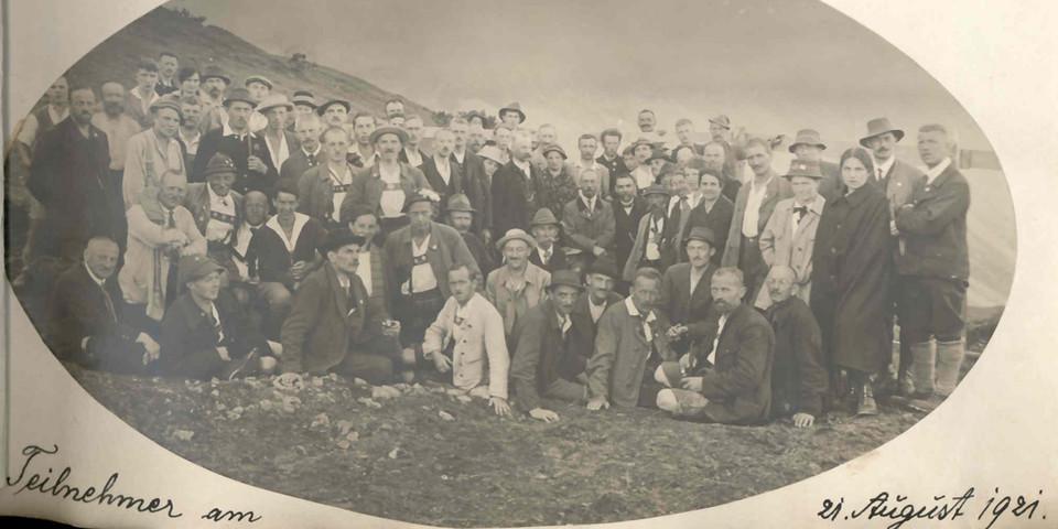 Feier der Sektion Oberland zur Grundsteinlegung der Falkenhütte, 1921. Archiv des DAV, München