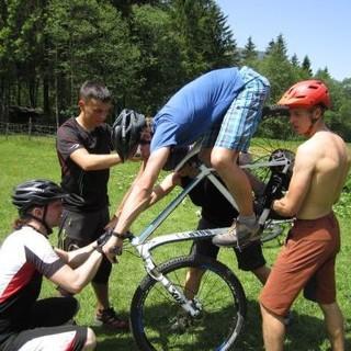 Die Vermittlung des ABC des Mountainbikens. Foto: Archiv Jubi