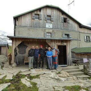 Hüttenwirtsleute und Vorstandschaft Greizer Hütte