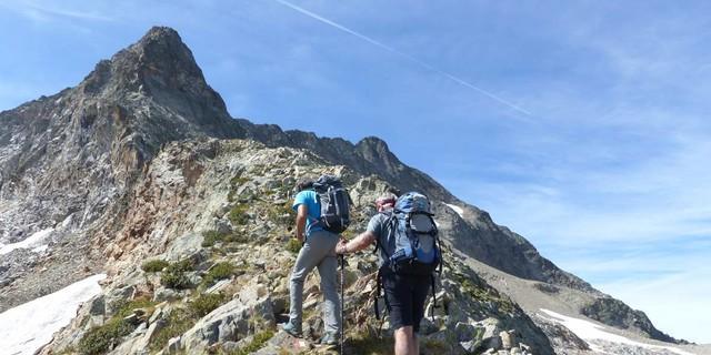 An der Cresta Ghiacciai – Gletscherreste gibt es hier nur noch unterhalb der Nordwand des Monte Gelàs. Foto: Georg Hohenester