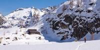 Das Rifugio Miryam (2045 m) ist neben dem Rifugio Margarolli (2194 m) zweiter Hüttenstützpunkt am Lago Vannino und Ziel der vierten Etappe, die ins Piemont führt. Foto: Powerpress.ch