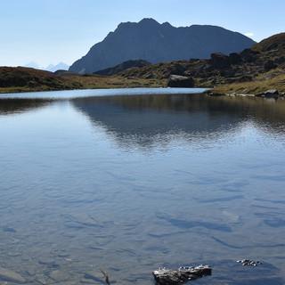 Über dem Torsee sieht man schon den Geißstein, letzten Gipfel des Tages und höchsten der Gesamttour. Foto: Andi Dick