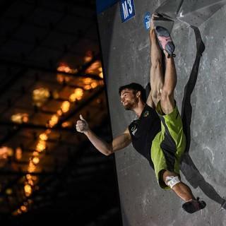 Jan Hojer beim Boulder-Weltcup 2017; Foto: DAV/Nils Nöll