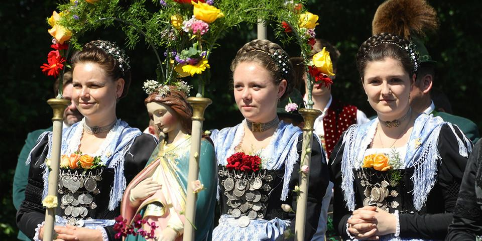Gelebte Tradition und Brauchtum im Bergteigerdorf Schleching. Foto: Touristik-Information Schleching