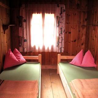 Die Zimmer der Comptonhütte, Foto: Kriebaum