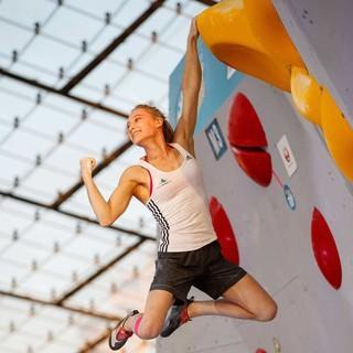 Das Bild zeigt die Olympionikin und Kletter-Superstar Janja Garnbret (SLO). Foto: DAV/Marco Kost