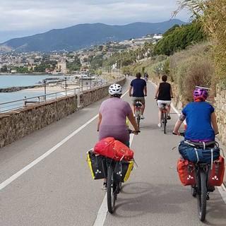 Zielgerade Richtung Sanremo in Ligurien. Foto: Thorsten Brönner