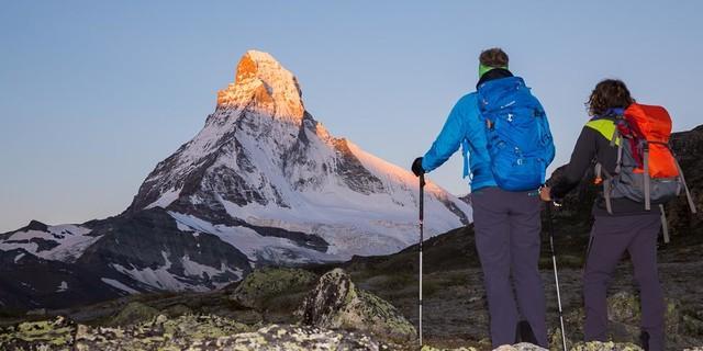 Das Wahrzeichen der Schweiz lässt sich auf dem Trek sowohl im Licht der ersten als auch der letzten Sonnenstrahlen bewundern. Foto: Iris Kürschner /powerpress