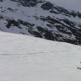 Am Zischgeles muss man laut Foreneintrag vom 29.3. nur ganz kurz die Ski tragen. (Foto: Pröttel)