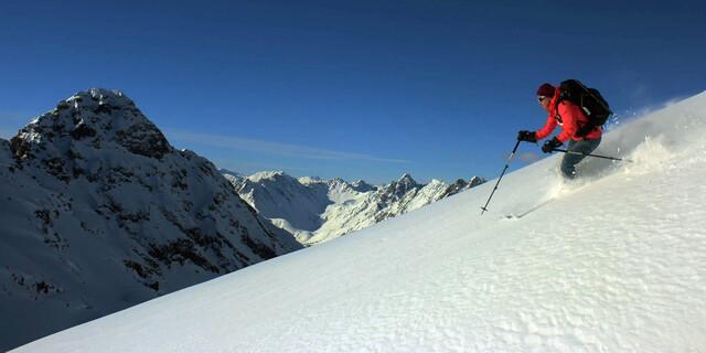 Skitouren in Graubünden - Lischanagruppe. Foto: Michael Pröttel