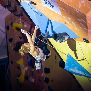 Beim Lead-Klettern müssen die Zwischensicherungen selbst eingehängt werden. Foto: DAV/Thomas Schermer