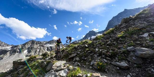 Wir lieben die Berge, wir schützen die Natur!