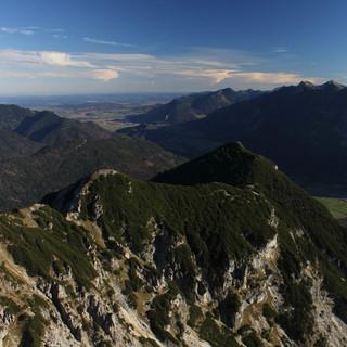 Touren bis 2000 Meter wie der Kramer sind größteteils wieder schneefrei. Foto: M. Pröttel