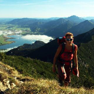 Gerade am Alpenrand steht endlich  ein sehr sonniges Bergwochenende bevor. Foto: DAV/Pröttel