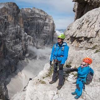 Die Kulisse der Felsgipfel ist gewaltig und regt immer wieder zum Staunen an. Foto: Ralf Gantzhorn