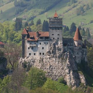Die eindrucksvolle Burg Bran wird für Touristen als Dracula-Schloss vermarktet. Foto: Win Schumacher, weltwege.de