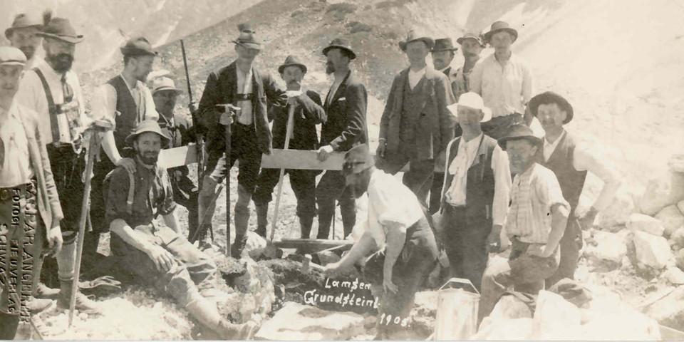 Feierliche Grundsteinlegung der Lamsenjochhütte, 1908. Archiv des DAV, München