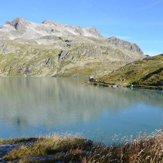 See unterhalb der Rudolfshütte - Alles Natur? Aufgestauter See unter mondäner Rudolfshütte