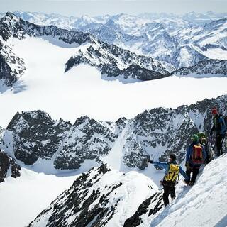 Skihochtouren sind Teil der anspruchsvollen Ausbildung. Foto: ServusTV/Verticalscope