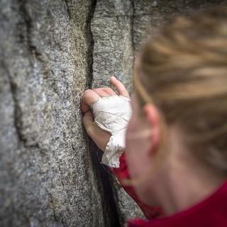 Verschiedene Klemmtechniken sind natürlich wichtiger Teil der Ausbildung. Foto: DAV / Silvan Metz