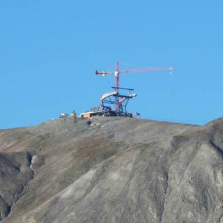 Neuer Liftmast am Piz Val Gronda