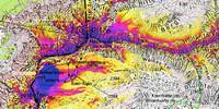Permafrost an der Zugspitze (Quelle: PermaNet, LfU) - Klar erkennbar ist die Abhängigkeit der Permafrostwahrscheinlichkeit von der Exposition (Nordhänge) und dem Gelände, d.h. höhere Wahrscheinlichkeit in den schuttbedeckten Bereichen des Zugspitzplatts